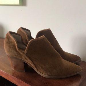 Seychelles- Tan suede booties